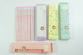 PartyErasers Pack of 4 set of 12 x Beautiful Four-Leaf Clover Print HB Pencil with Eraser