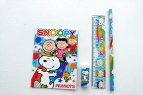 Snoopy Peanuts 4 pieces Colourful Stationery Set (Red)