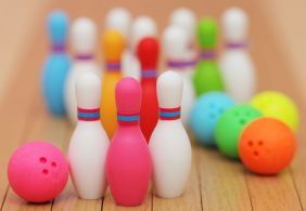 Iwako 5 Sets Colourful Bowling Ball and Pin Japanese Erasers from Japan