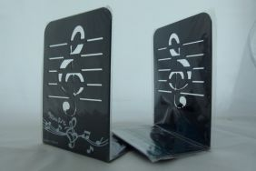 Music Themed Bookend - A Pair of Black Treble Clef Design Metal Book Stand (2 pieces)