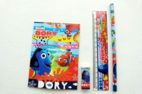 Disney Finding Dory 4 pieces Colourful Stationery Sets (Orange)